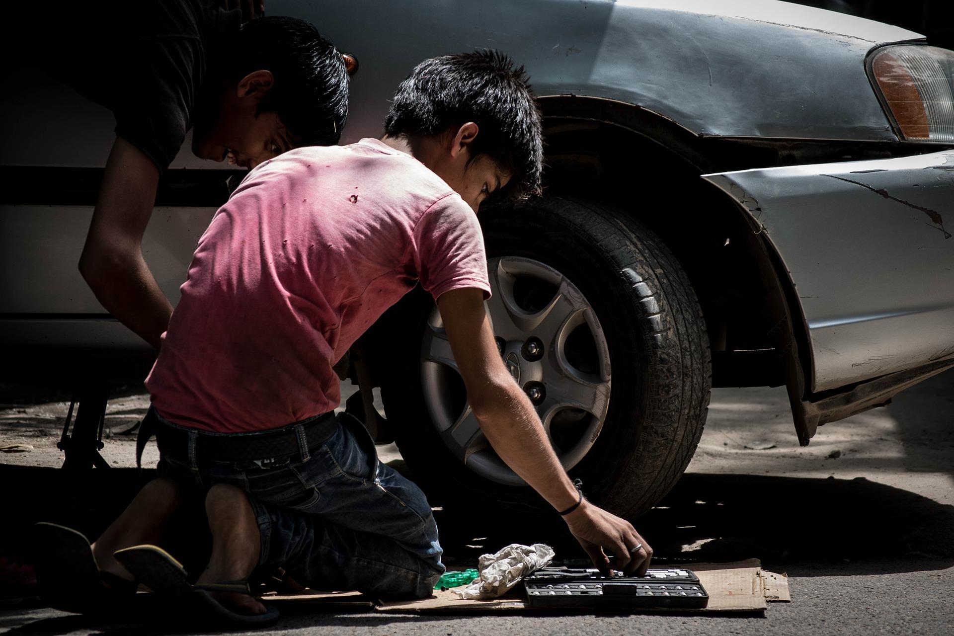 Indicadores han bajado pero no es suficiente. El aberrante trabajo infantil sigue vivo en Colombia | EL FRENTE