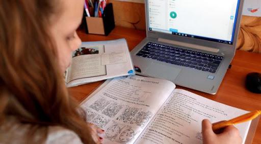 Done una recarga para que más niños estudien | EL FRENTE
