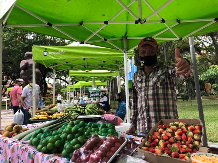 Mercadillos Campesinos regresaron y atendieron con pico y cédula | EL FRENTE