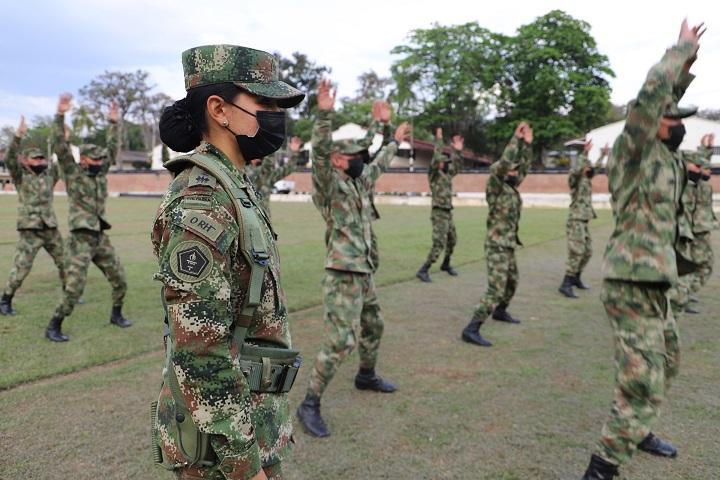 Mujer Militar, sinónimo de mística, pasión, entrega y liderazgo por una  causa común: Colombia   Región   Santander   EL FRENTE
