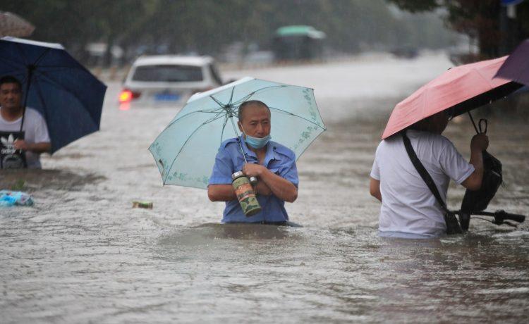 Al menos 25 muertos por lluvias torrenciales en China    EL FRENTE