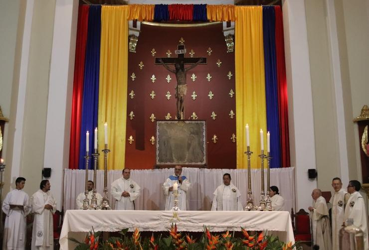 Peregrinación de la imagen por Santander. Comunidad Tomasina recibe a la Virgen de Chiquinquirá | EL FRENTE