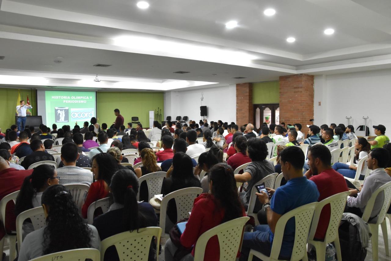En las UTS se realizó el Seminario Nacional. El deporte colombiano y sus políticas públicas | EL FRENTE