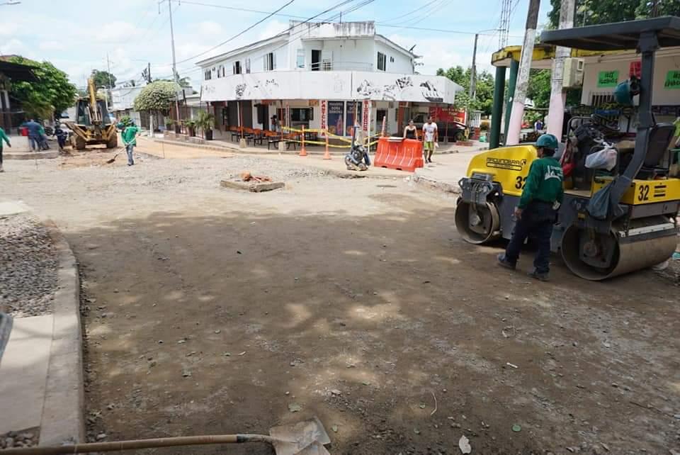 Obras de la Secretaría de Infraestructura. Mantenimiento vial en el barrio El Campestre    EL FRENTE