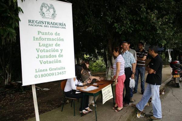 En Floridablanca abren nuevos puestos para inscripción de cédulas   | EL FRENTE