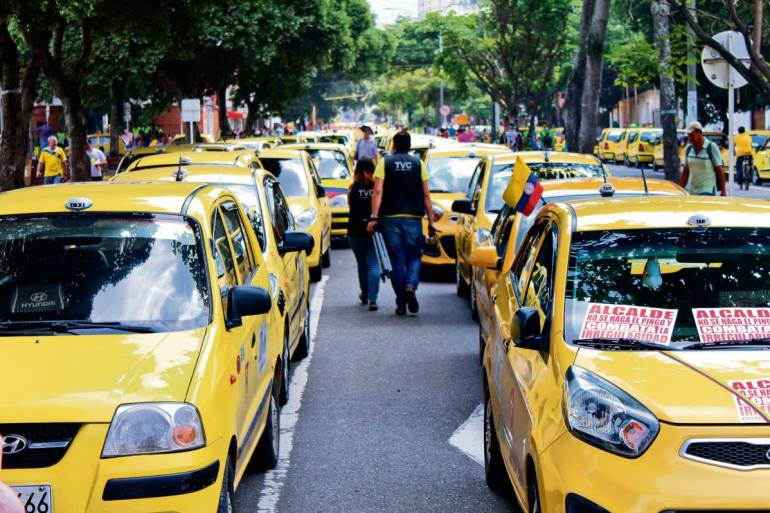 El miércoles habrá paro de taxistas   EL FRENTE