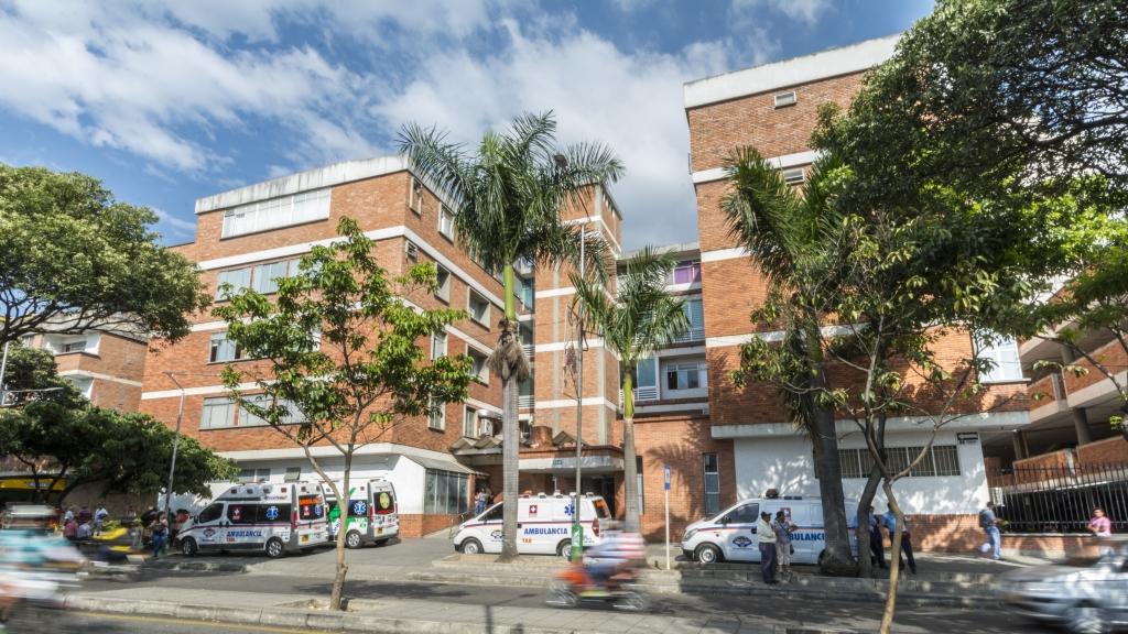 Clínica Bucaramanga cierra urgencias por reparaciones | EL FRENTE