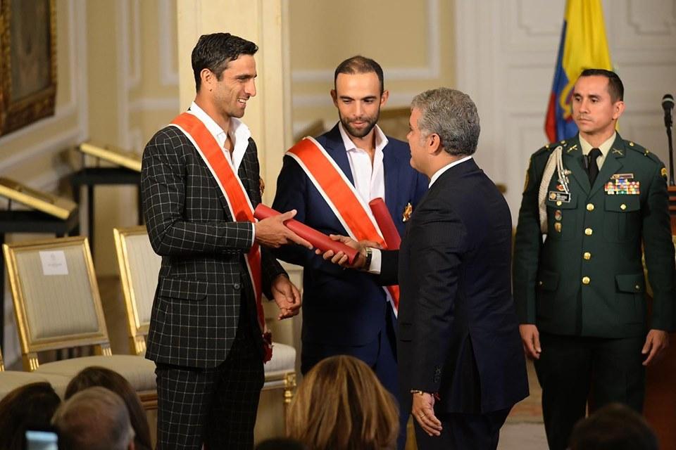 Cabal y Farah recibieron Orden Nacional al Mérito | EL FRENTE
