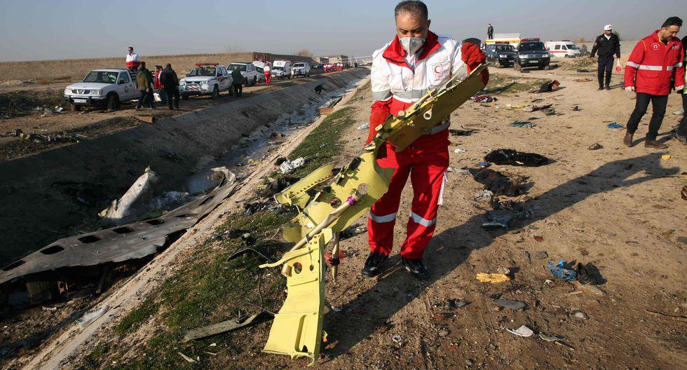 Avión se estrella en Irán con 176 personas a bordo | EL FRENTE