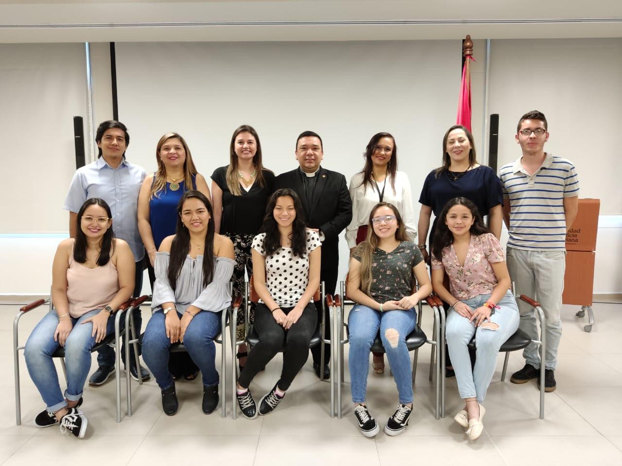 Entregadas las becas UPB y CAVIPETROL para la promoción de la educación en Santander | EL FRENTE
