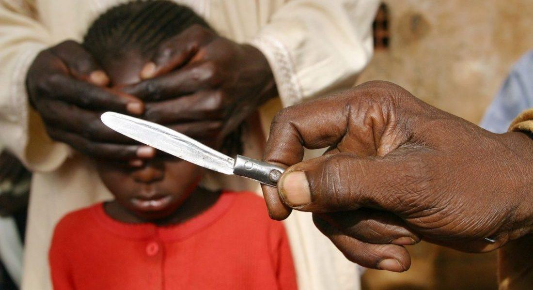 Niña muere por mutilación genital  | EL FRENTE