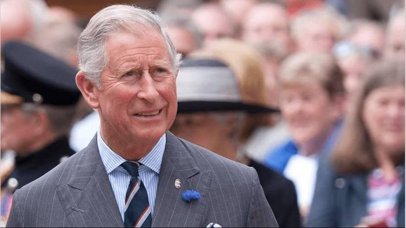 Hijo de la reina Isabel II dio positivo para Covid-19 | EL FRENTE