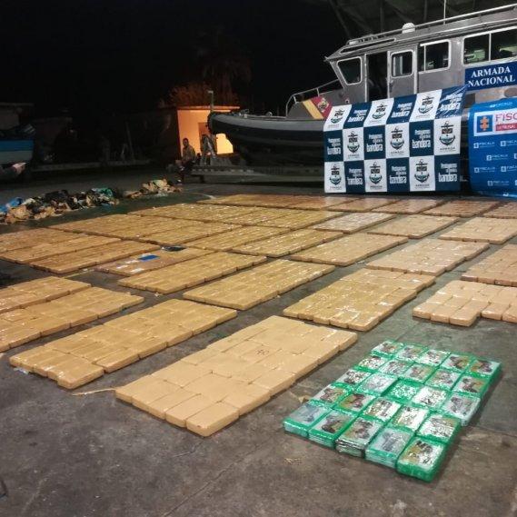 Incautan millonario alijo de cocaína en un sumergible  | EL FRENTE