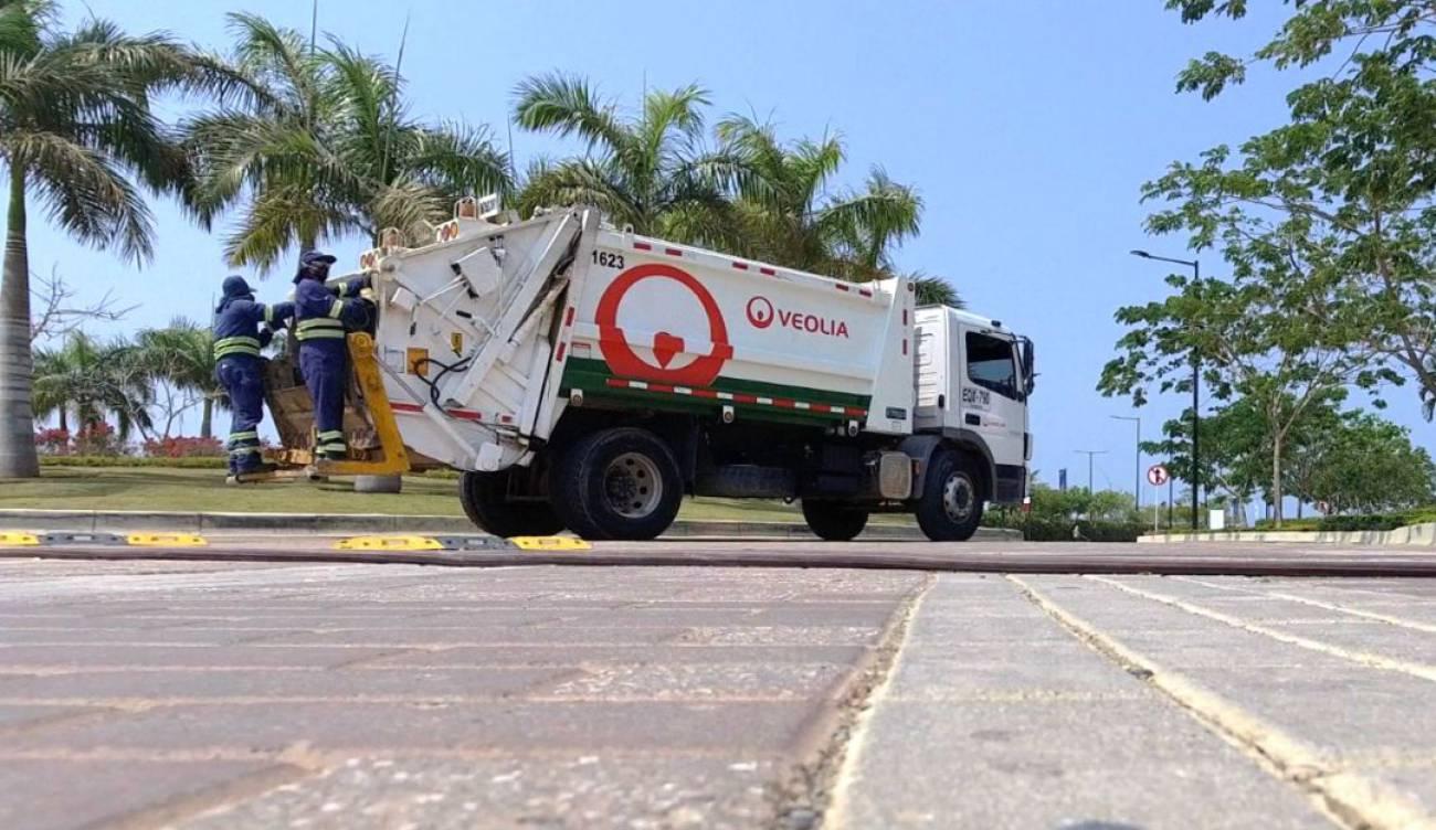 Veolia no cesará actividades durante emergencia. Gracias a grandes héroes presta el servicio de aseo | EL FRENTE