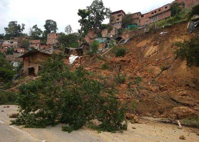 Lluvias dejan 30 familias afectadas en Girón y Floridablanca | Metro | EL FRENTE