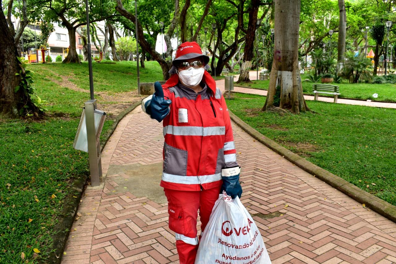 Veolia dice que residuos y desechos deben botarse dentro de tres bolsas en prevención de la Covid-19 | Santander | EL FRENTE