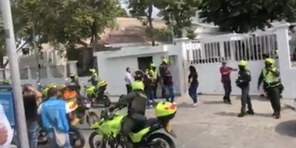 Tremendo bochinche armó una mujer para pedir devolución de un cadáver | Colombia | EL FRENTE