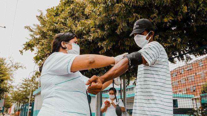 Protección del Puerto Petrolero de la Covid-19. Avanza jornada de salud con los habitantes de calle | Municipios | Santander | EL FRENTE