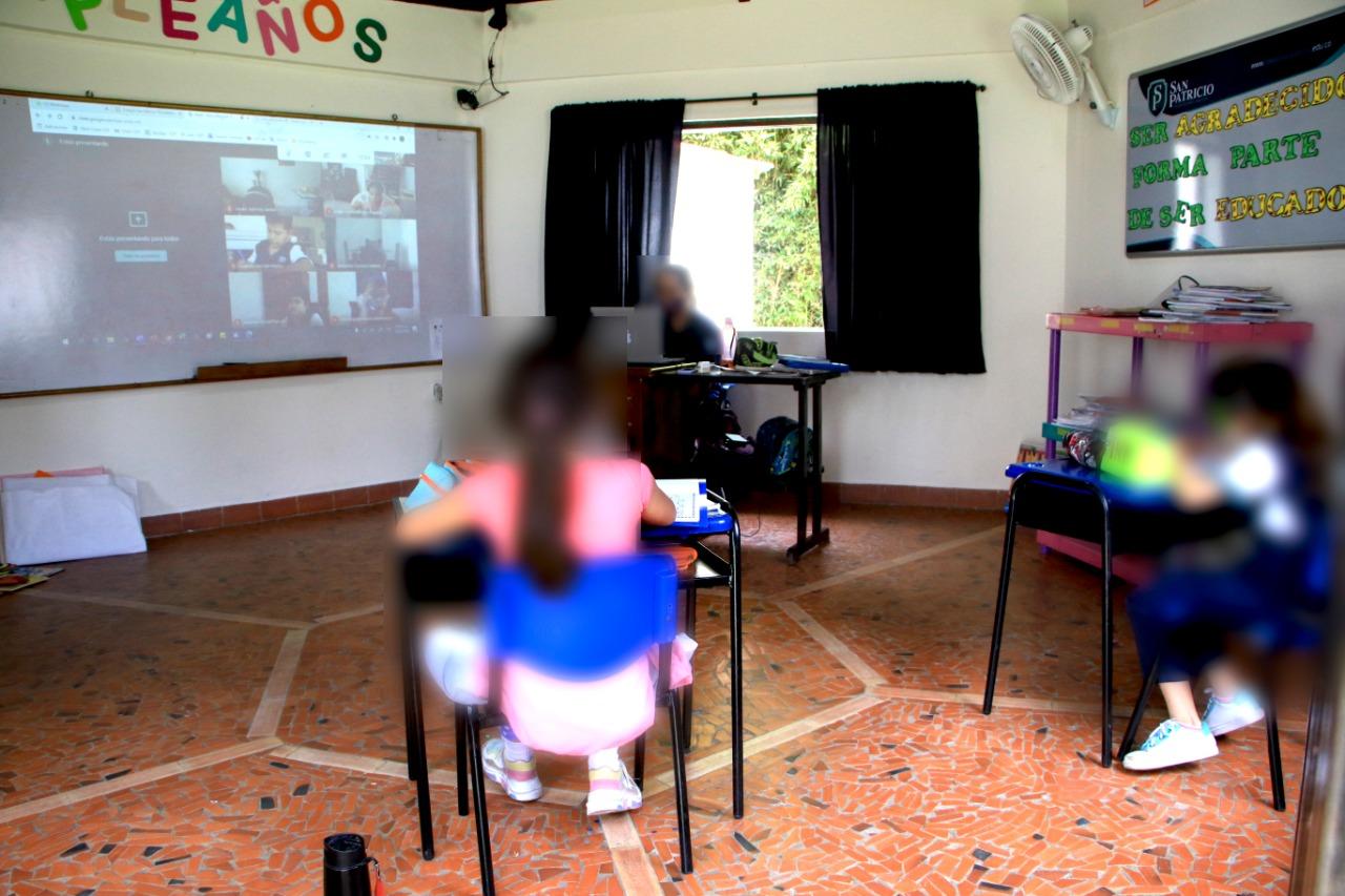 Colegio privado fue sorprendido dando clases presenciales en Floridablanca   EL FRENTE