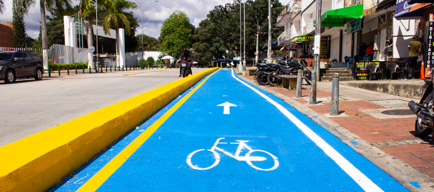 Obras de las ciclorutas continúan pese a críticas  | EL FRENTE