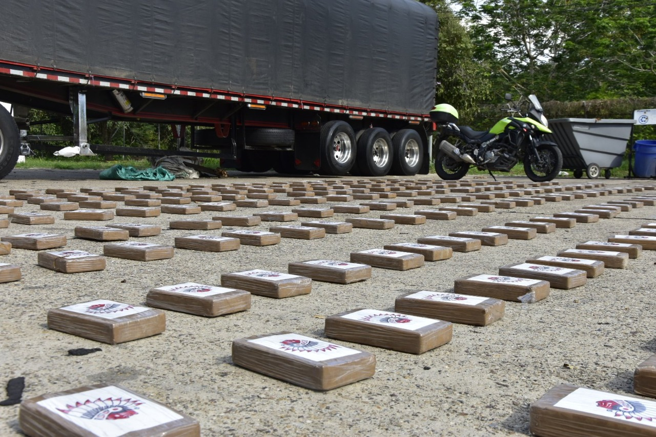 300 kilos de coca viajaban en un camión de gaseosas | EL FRENTE