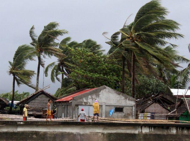 Vietnam comienza evacuación de un millón de personas | foto | EL FRENTE