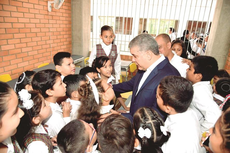 Giran 540 millones de pesos para una escuela en Santander  | EL FRENTE