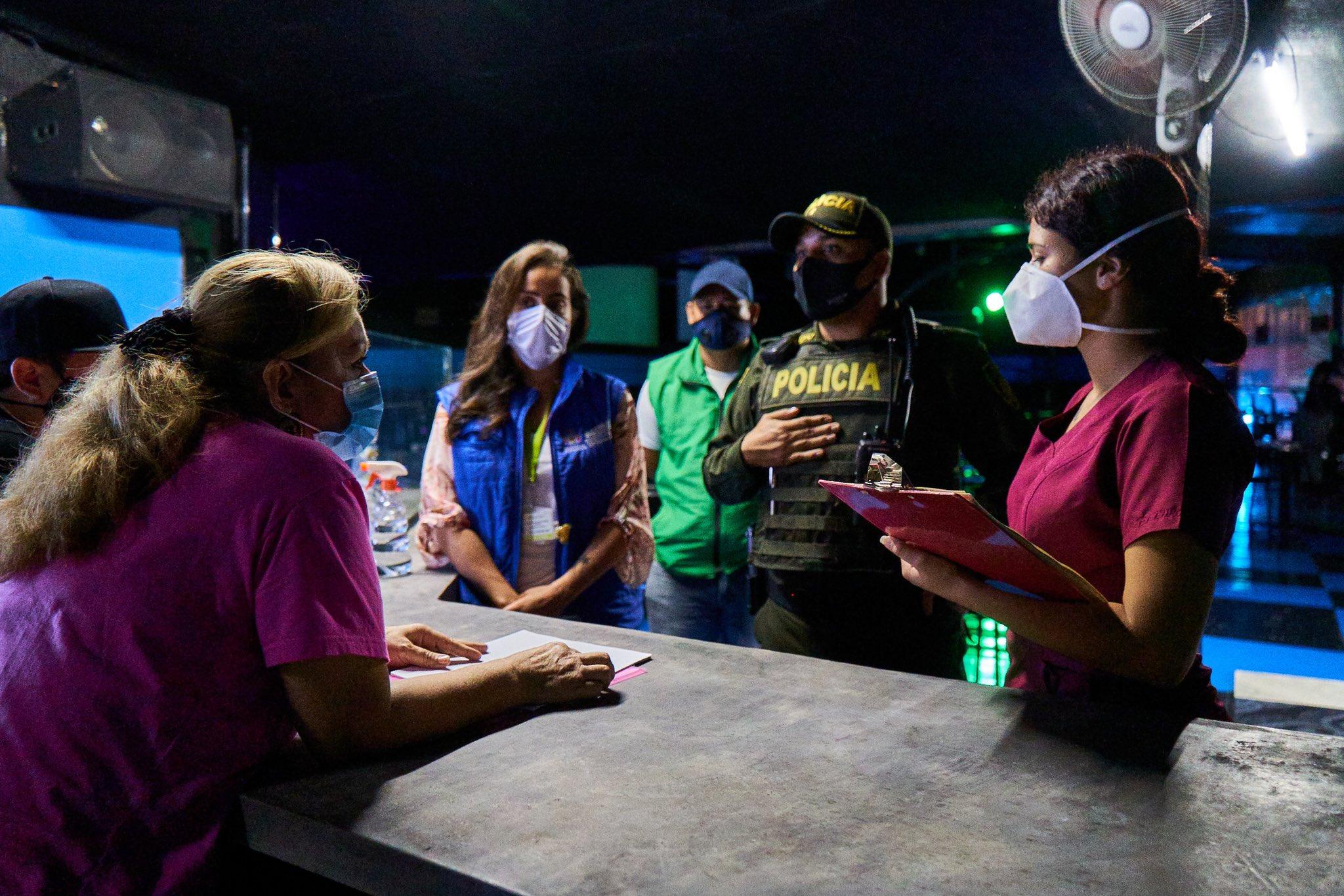 Dos bares y una tienda que incumplieron normas fueron sellados en Bucaramanga | Bucaramanga | Metro | EL FRENTE