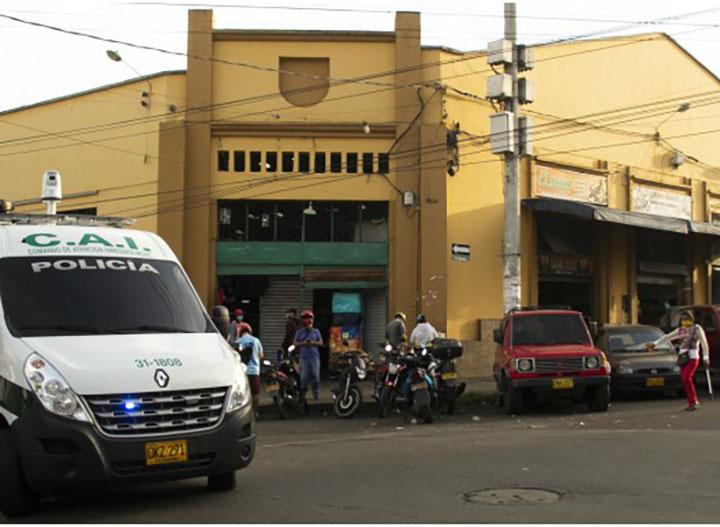Alcaldía intenta recuperar espacio público en la plaza de San Francisco | Bucaramanga | Metro | EL FRENTE