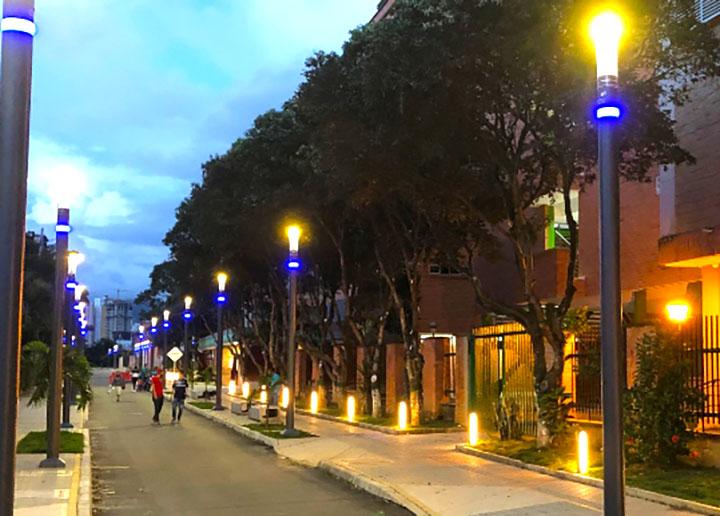 Moderna iluminación en la Calle de los Estudiantes será entrega en diciembre | EL FRENTE