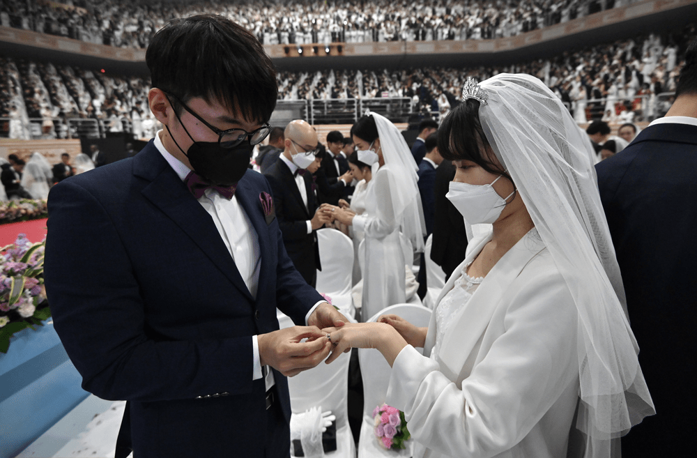 Prohíben bodas y funerales para contener la Covid-19 | EL FRENTE