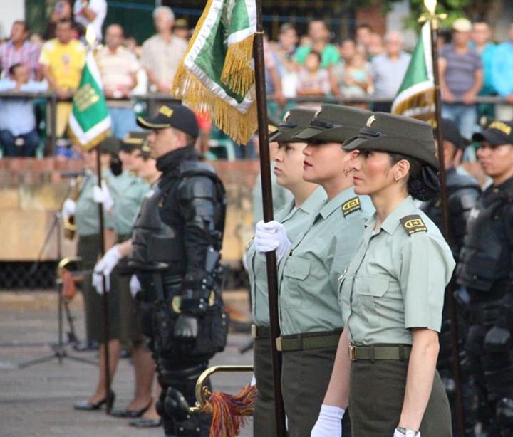 Convocatoria para auxiliares de Policía incluye mujeres por primera vez | Bucaramanga | Metro | EL FRENTE