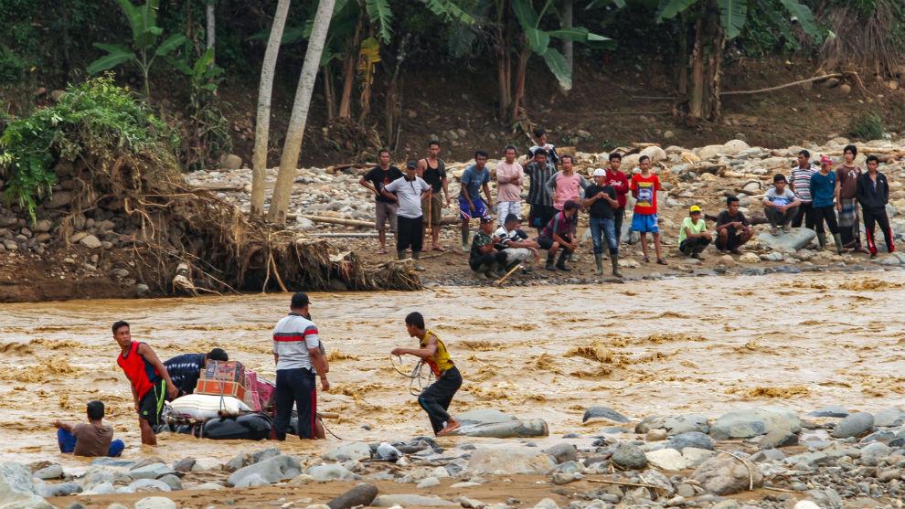 Inundaciones en Indonesia ya dejan más de 90 muertos | EL FRENTE