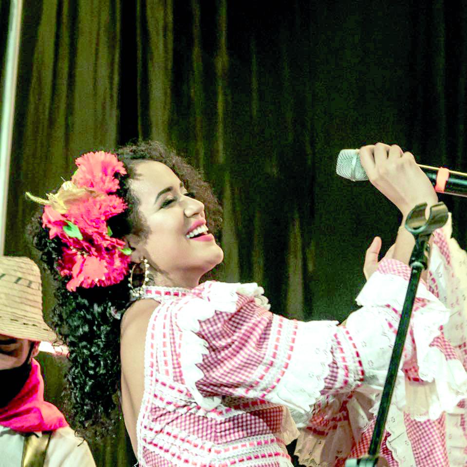 """De `La Bella hija del Sol´ Kiara De La Ossa con """"Vivencias de mi pueblo""""   Entretenimiento   Variedades   EL FRENTE"""