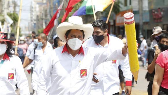 Pedro Castillo continúa primero al contabilizarse el 97,311% de actas  | EL FRENTE