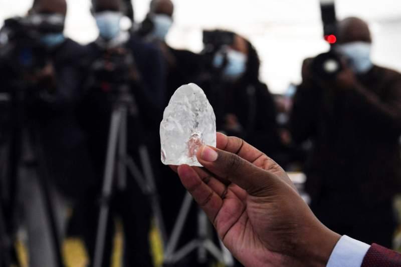 Extraen el tercer diamante más valioso jamás encontrado | foto | EL FRENTE
