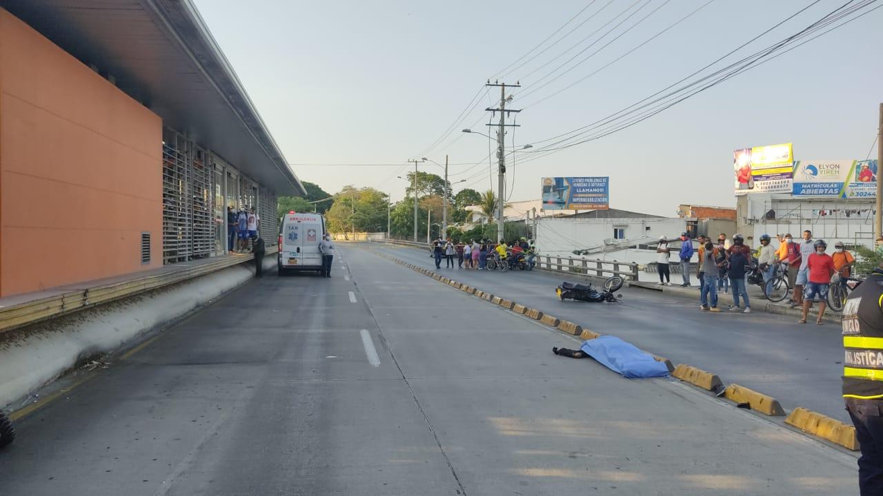 Una ambulancia se lo llevó por delante y lo mató   Colombia   EL FRENTE