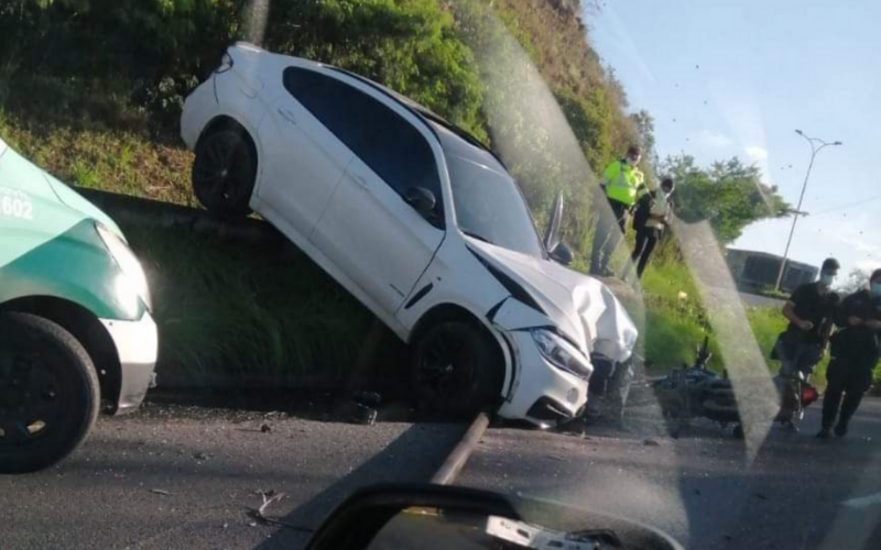 Adolescente provocó grave accidente vía al aeropuerto  | Local | Justicia | EL FRENTE