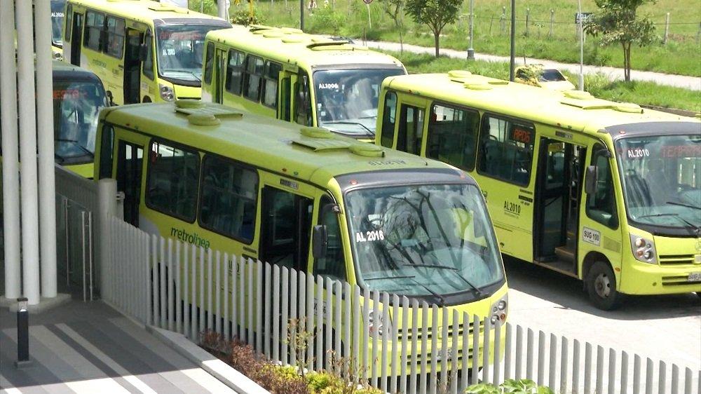 Metrolínea desde hace 24 días funciona con la mitad de la flota | Metro | EL FRENTE