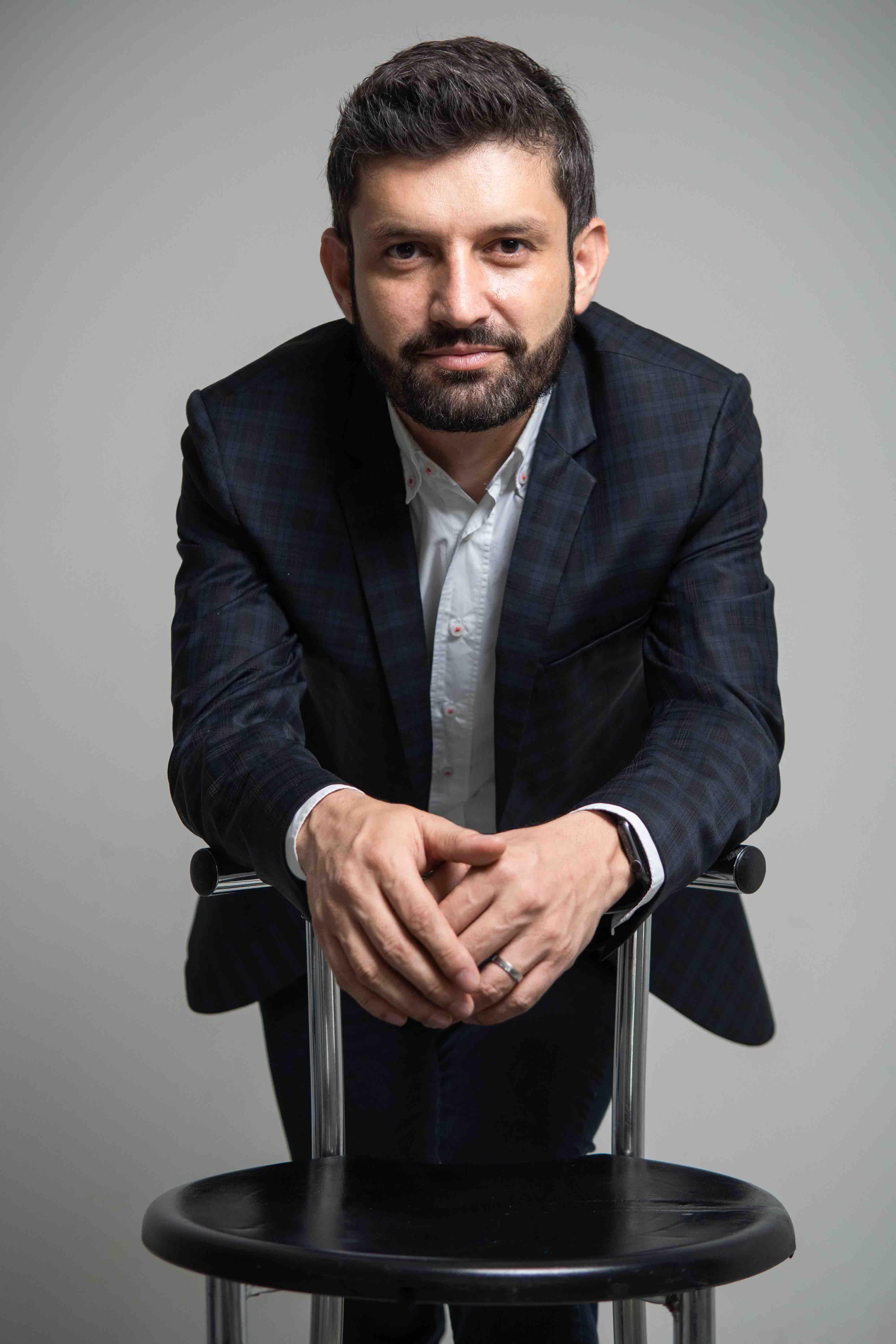 """Andrés Jaramillo Álvarez presenta su libro """"Las claves de la felicidad""""   EL FRENTE"""