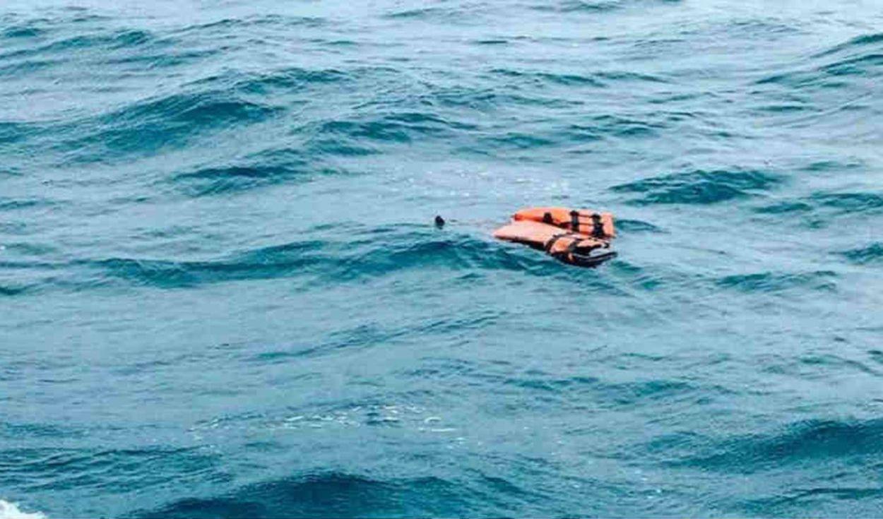 Dos niños sobreviven en altamar junto al cuerpo de su madre | EL FRENTE