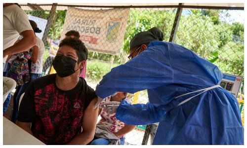 Bucaramanga primera del país con equipo ambulante de vacunación   Política   EL FRENTE