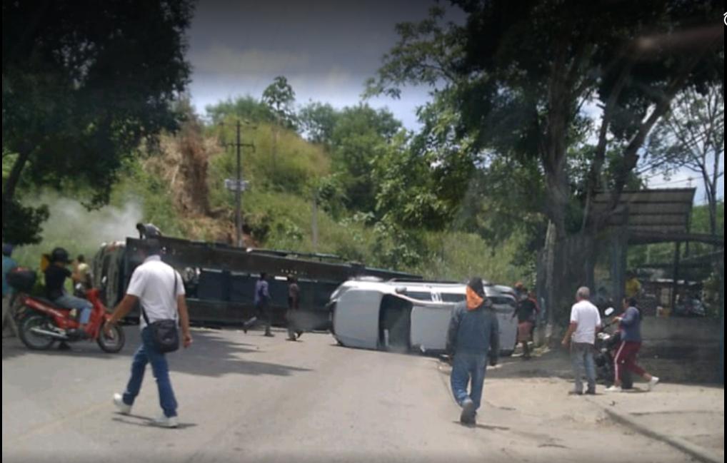 Tractomula sin frenos causó grave accidente en el Norte de Bucaramanga    Local   Justicia   EL FRENTE