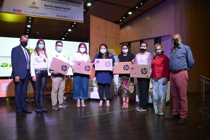 Representantes de Guavatá y Oiba van a concurso nacional de mejores experiencias educativas   Santander   EL FRENTE