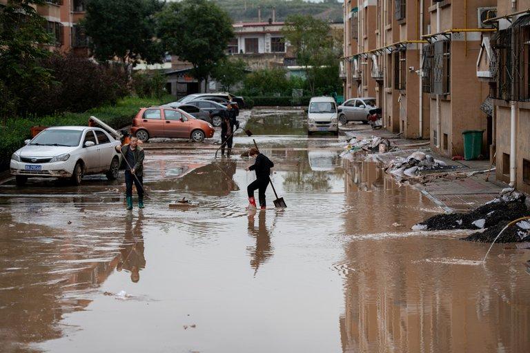 Lluvias dejan más de 120 mil personas evacuadas en China | EL FRENTE