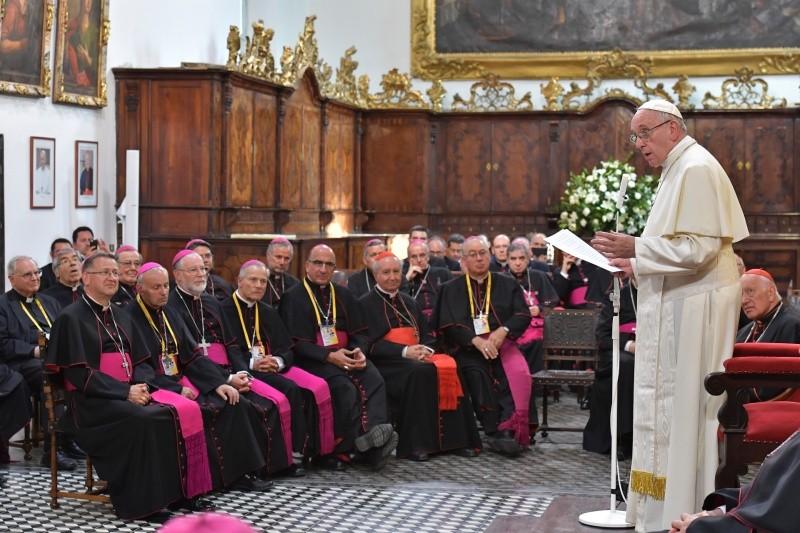 Exigen dimisión de todos los obispos de Francia | EL FRENTE