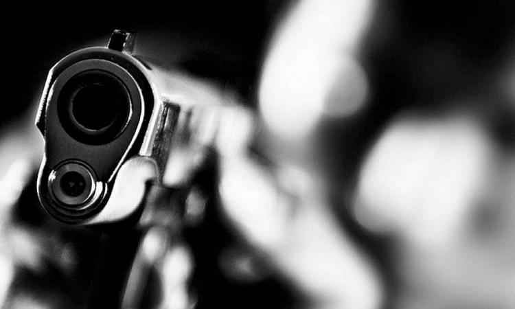Dos jóvenes fueron asesinados mientras departían en una tienda   EL FRENTE