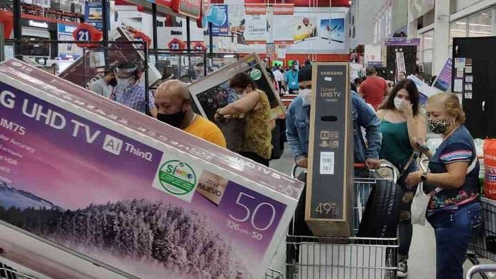 Algunos no gastarán en innecesarios porque para los días sin IVA hay escasez de artículos | Nacional | Economía | EL FRENTE