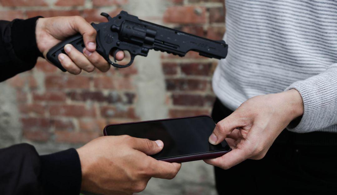 Hampones hirieron a un adolescente por quitarle el celular    Justicia   EL FRENTE