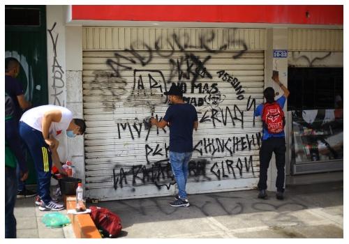 Vecinos del barrio la Universidad agradecen presencia de las autoridades    Metro   EL FRENTE